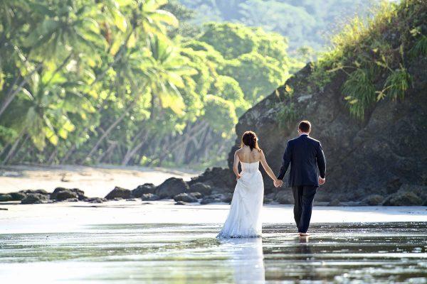 ALICIA & JULIUS COSTA RICA BEACH WEDDING PHOTOGRAPHY